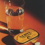 Detta reklamfotografi för Albyl var ett av de första publicerade reklamfotografierna i färg. Foto Sixten Sandell 1930-tal