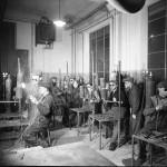 Lärlingsutbildning i gassvetsning. Foto Karlskoga Bergslags Hembygdsförening