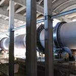 Cementfabriken i Slite. Ugn 7 på bilden är placerad inne i en ugnshall medan ugn 8 till stora delar ligger ute i det fria. Foto Lena Knutson Udd 2009