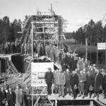 Byggande av en bågbro i betong över Svartälven vid Immetorp 1931. Foto Karlskoga Bergslags Hembygdsförening